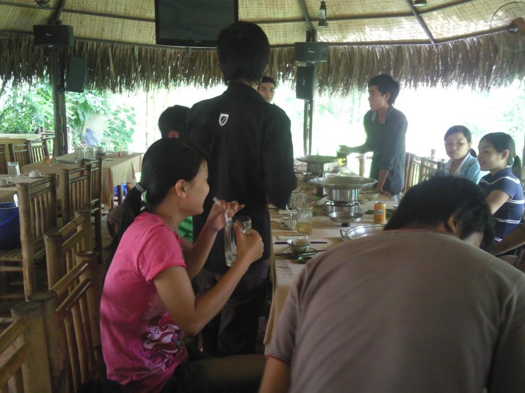 Những tấm hình mới nhất về bữa ofline 2/9 của thành viên 4rum nè! Photo0108