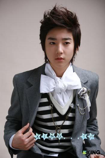 Penyanyi solo or group Korea pilihan korg.. Xing-Kevin