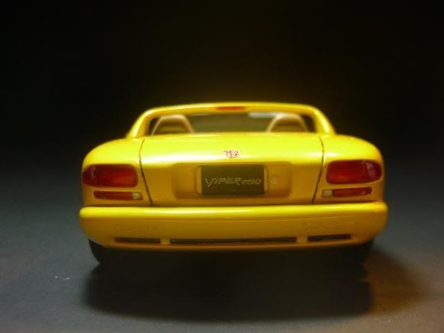 Dodge Viper RT/10 1995. AMT 1/25 P1020678