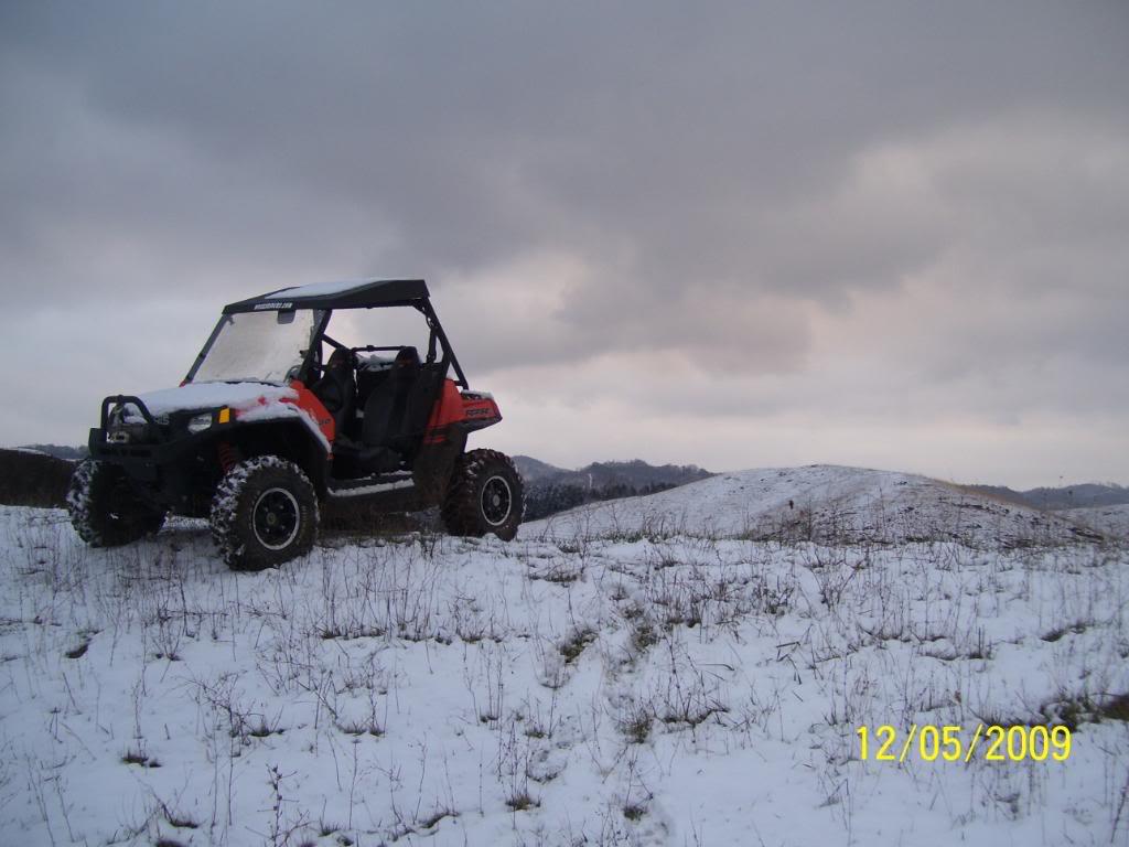 took a few snow pics 100_3305