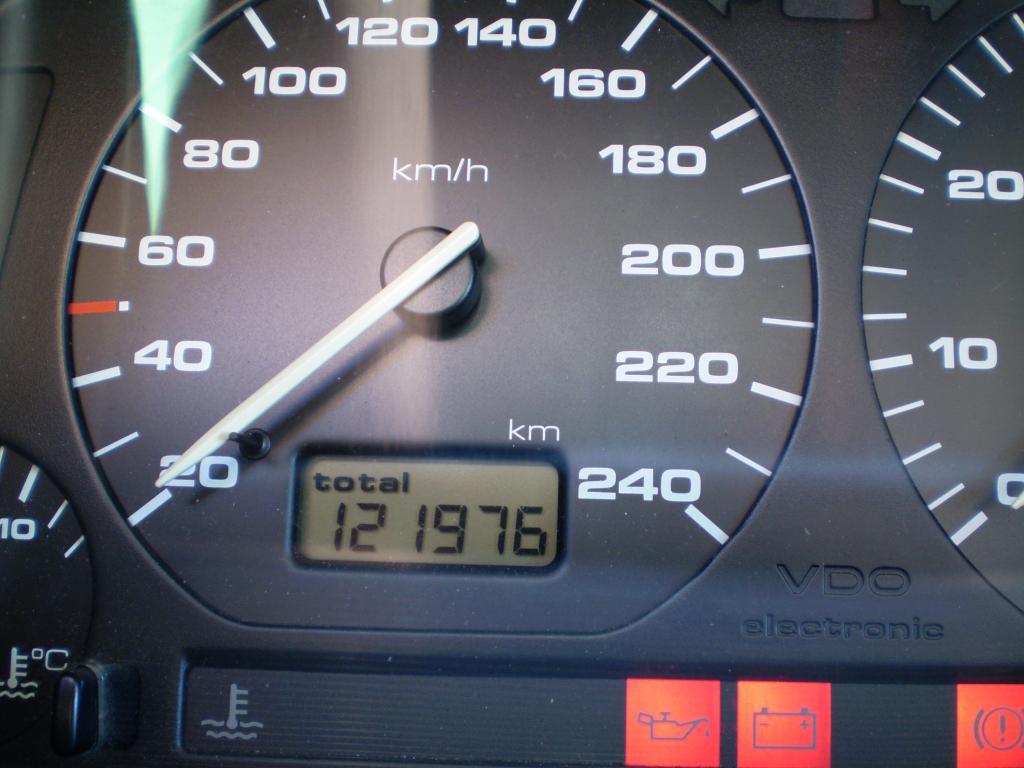 Golf GTI 8V 1993 - Page 2 VWGolfMk3GTI8v1993_19_zps4ef2e63c