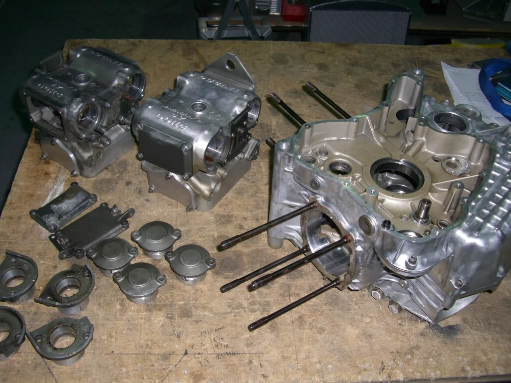 Superbike Ducati 916, 996, 998 et 748 - Page 4 Cases005