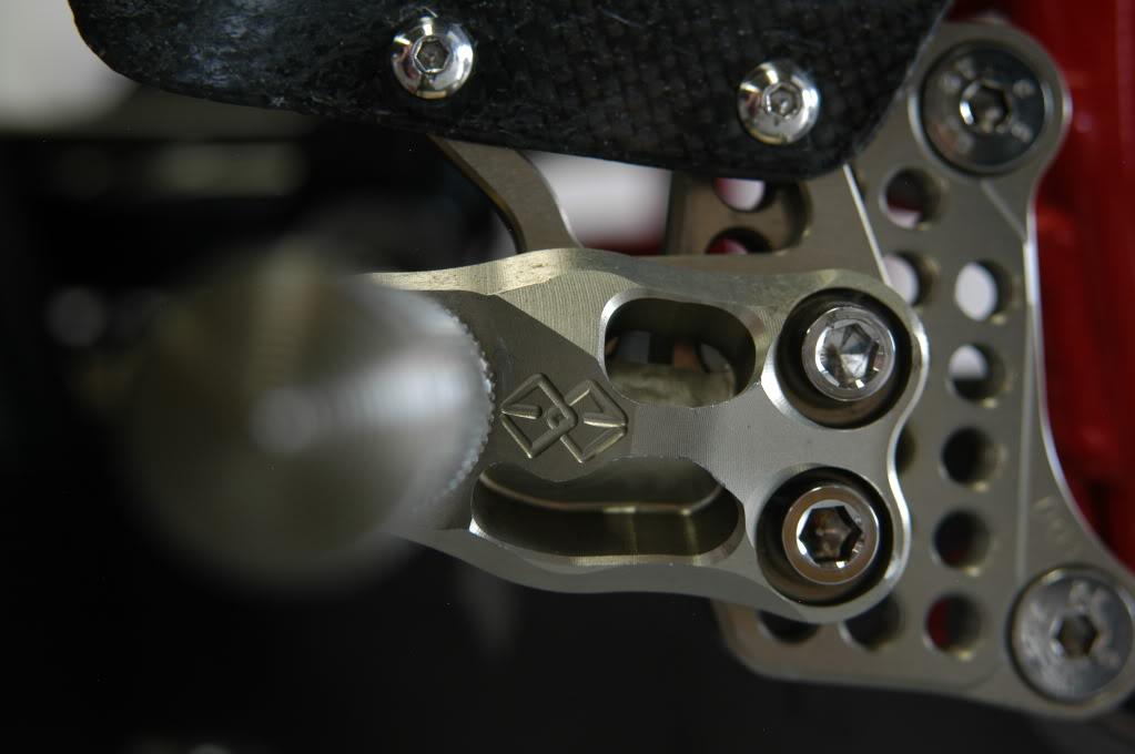 Superbike Ducati 916, 996, 998 et 748 - Page 4 Fatpics087