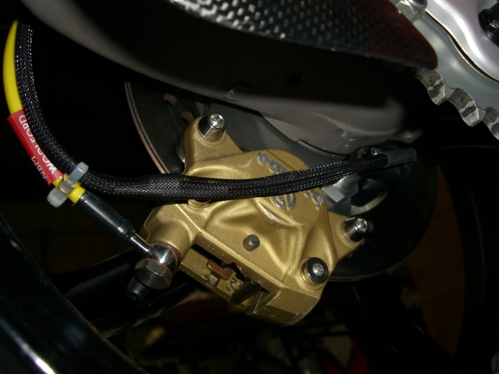 Superbike Ducati 916, 996, 998 et 748 - Page 4 Hanger015