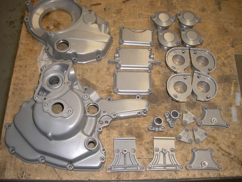 Superbike Ducati 916, 996, 998 et 748 - Page 4 Pc001