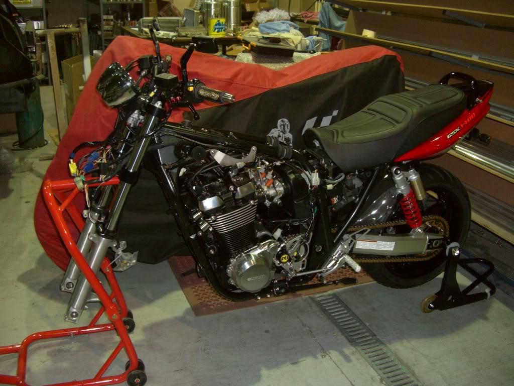SUZUKI GSX 1400 Rebuild005