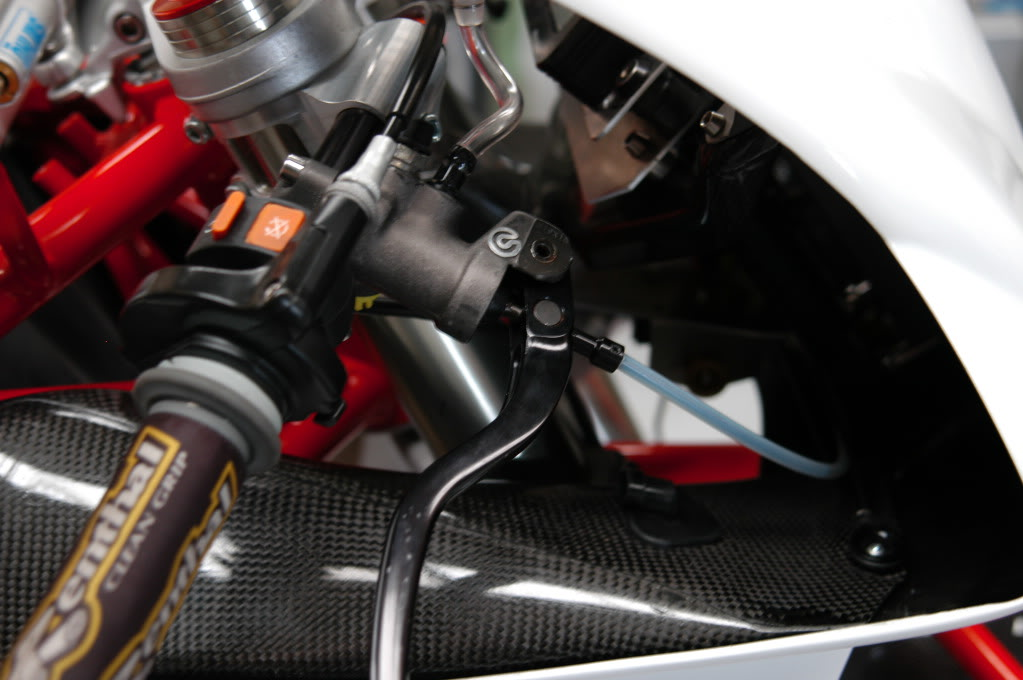Superbike Ducati 916, 996, 998 et 748 - Page 4 Rod008