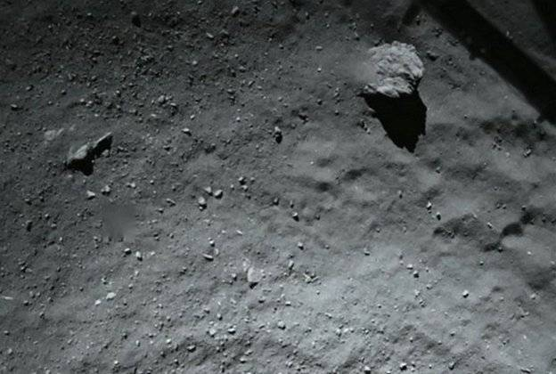 First ever Comet Landing: Live Feed - Page 3 _78948269_78948268_zps297a43f4