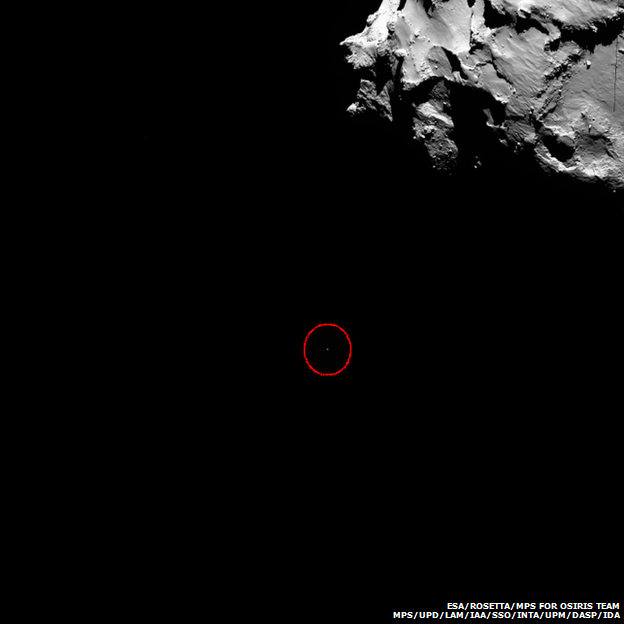 First ever Comet Landing: Live Feed - Page 3 _78958704_philae_descending_to_the_comet_wide-angle_view_zpsdd427863