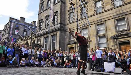 Rioting in the UK - Page 5 Edinburgh-festival-image-1-43876239