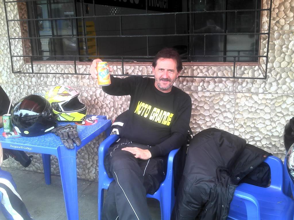 20/10 - CY CY CY HOJE É ANIVERSÁRIO DO VELCY - Página 2 2011-10-08_10-50-30_73