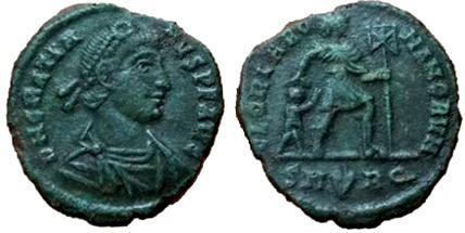 AE3 de Graciano. GLORIA ROMANORVM. Roma Gratianus%20AE3%20Roma%20RIC%20IX%2023b%20type%20xvi-_zpstjsi0mt7