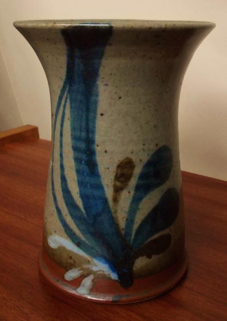 Nice Little Vase/Pot With Impressed Mark K? DSCF1087_zpsd1384757