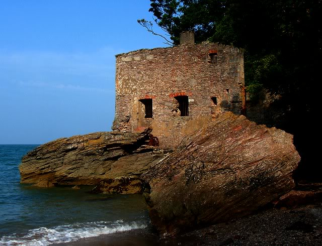 Lord Churston's Bathing House - Elberry Cove, Torbay - August 2010 Gedc0175