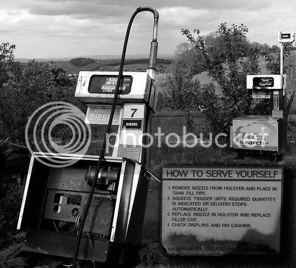 Abandoned Petrol Station - Haldon Hill, Nr.Exeter - November 2009 Dead_pumps