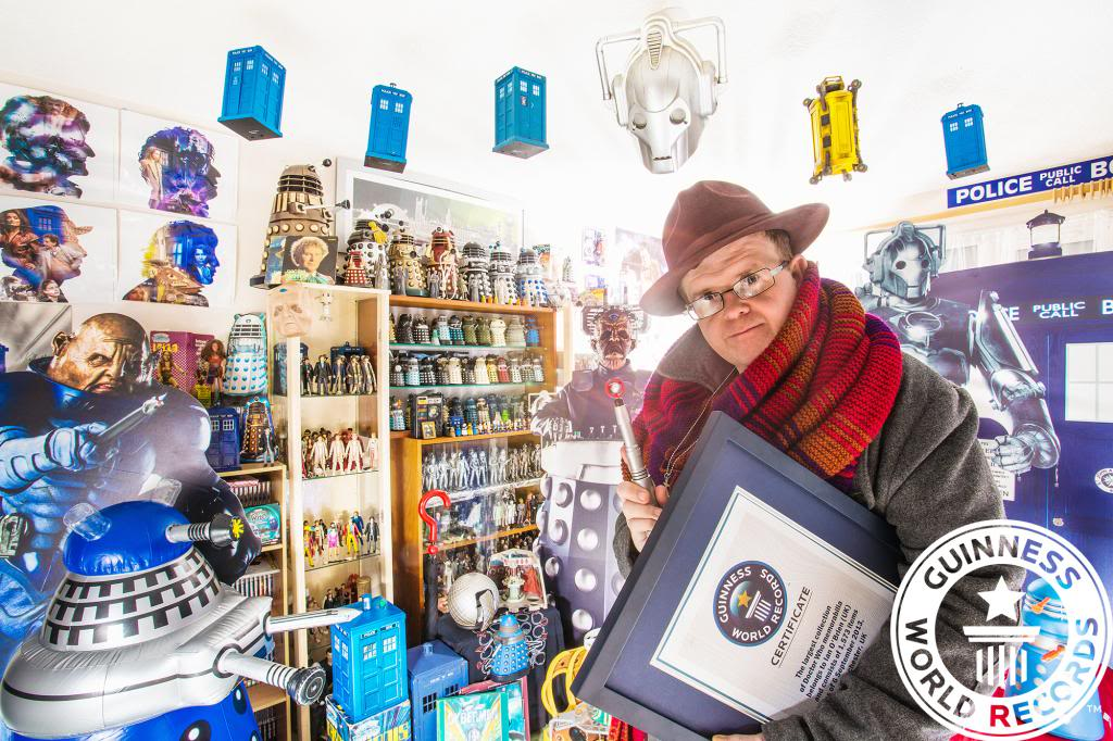 Largest Doctor Who Collection IanOBrien-LargestCollectionOfDoctorWhoMemorabilia-3578-Finalxxcopy_zpscf391fcf