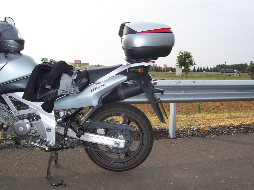 Pictures of Shad Motorcases on Suzuki Vstrom Baulzy1