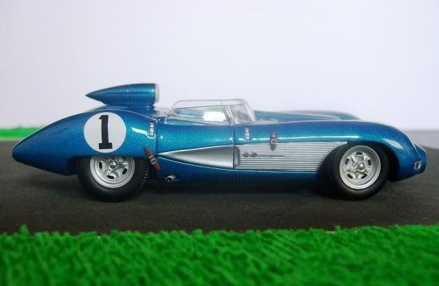 Chevrolet Corvette SS. AutoArt. Juanh Racing Team 128 100_5533