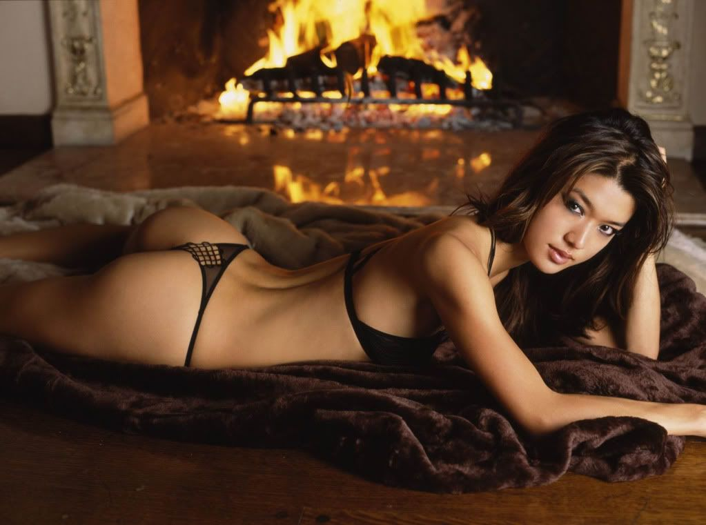Women of the Day - Page 2 Asian_hot