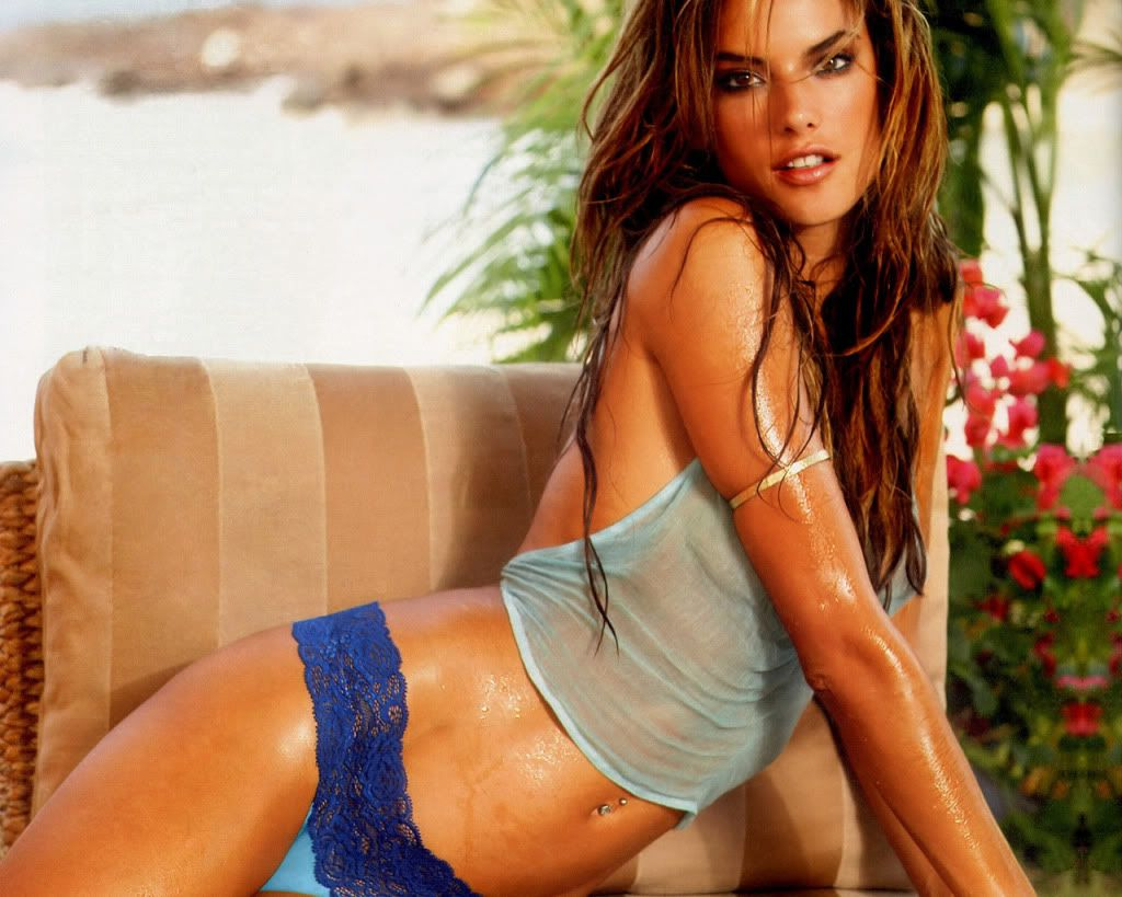 Women of the Day - Page 3 Alessandra_ambrosio_hot_girl_featured_0