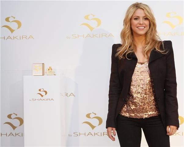 Fragancias de Shakira » Nueva: Love Rock! - Página 2 Shakira1