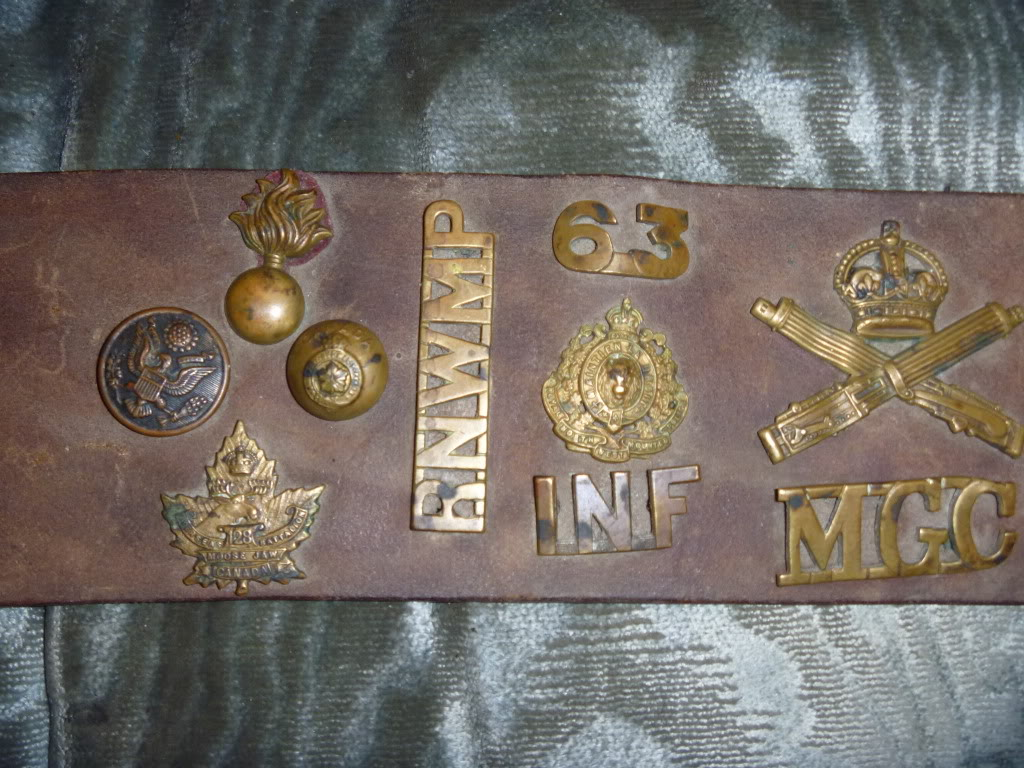 A nice find, but I need help...WWI Hate Belt P1000271