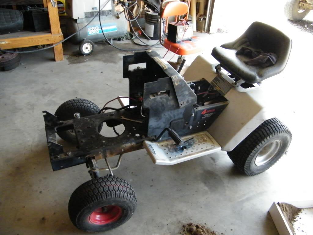 1989 craftsman mud tractor build up DSCF4012