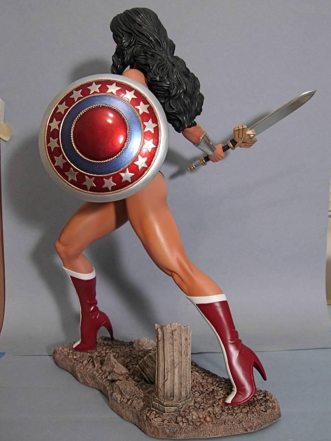 WONDER WOMAN 1:4 SCALE MUSEUM QUALITY STATUE Cdd1793baf09c26ce42d3b208a5f9dd7