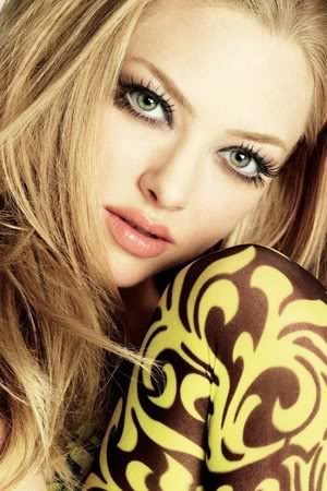 Amanda Seyfried Amanda-seyfried-profile