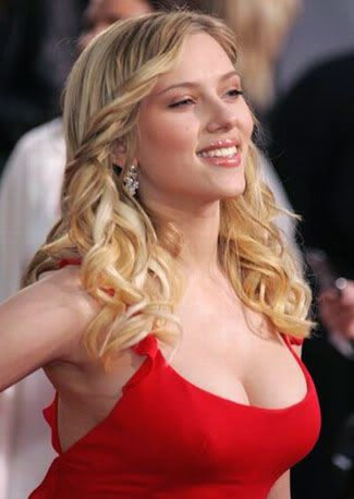 Camille Dubois Scarlett-johansson-de-sensual-rojo