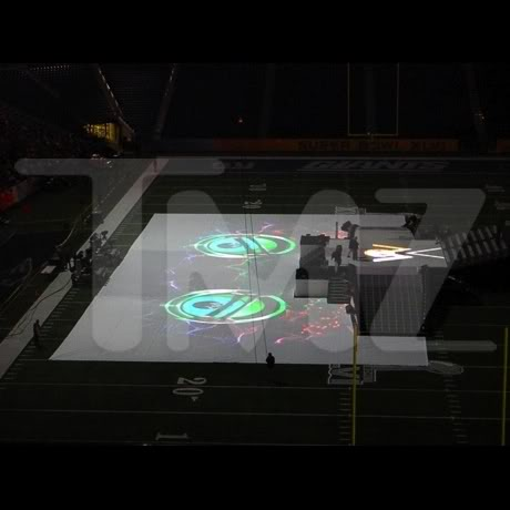 Presentaciones MDNA >> Superbowl  - Página 3 Superbowl_07JPG_full
