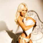 Avatares de Christina Aguilera en varios Photoshoots Av164150x150
