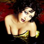 Avatares de Christina Aguilera en varios Photoshoots Av220150x150