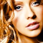 Avatares de Christina Aguilera en varios Photoshoots Av244150x150