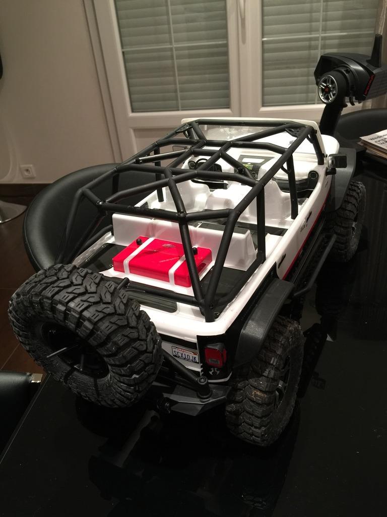 Le scx10 Jeep Wrangler Unlimited Rubicon kit du fiston IMG_7402%20forum_zpsurfzertl