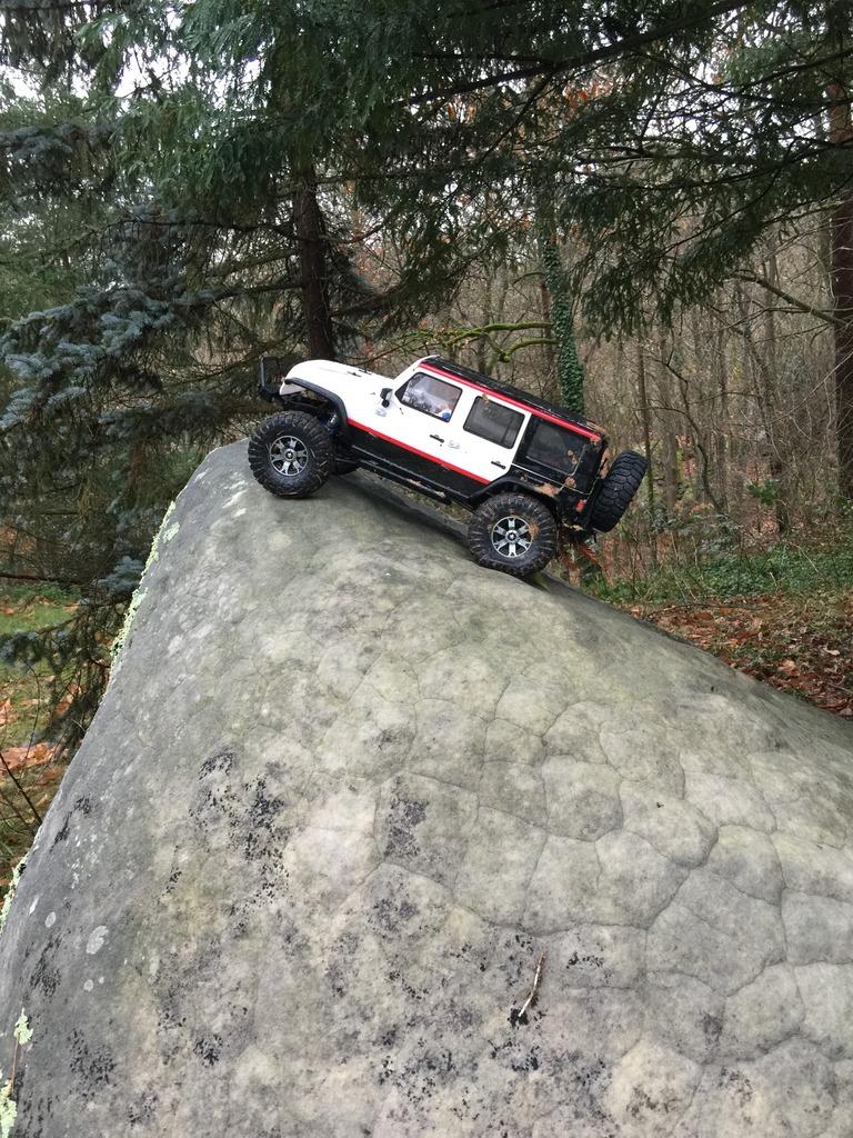 Le scx10 Jeep Wrangler Unlimited Rubicon kit du fiston IMG_7424%20forum_zpsh6zdjpmi