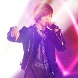 261210 SHINee First Concert @ Japón - Página 2 Th_214827827-1