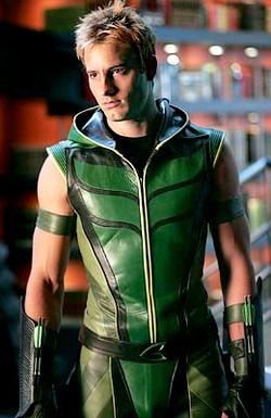 [série TV] DC - Arrow (Green Arrow) The-green-arrow