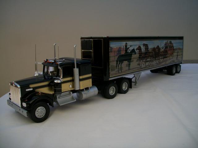 "Kenworth W-900 ""Smokey and the Bandit"" 100_2822"