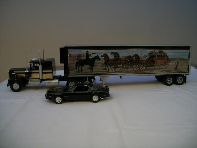 "Kenworth W-900 ""Smokey and the Bandit"" 100_2825"