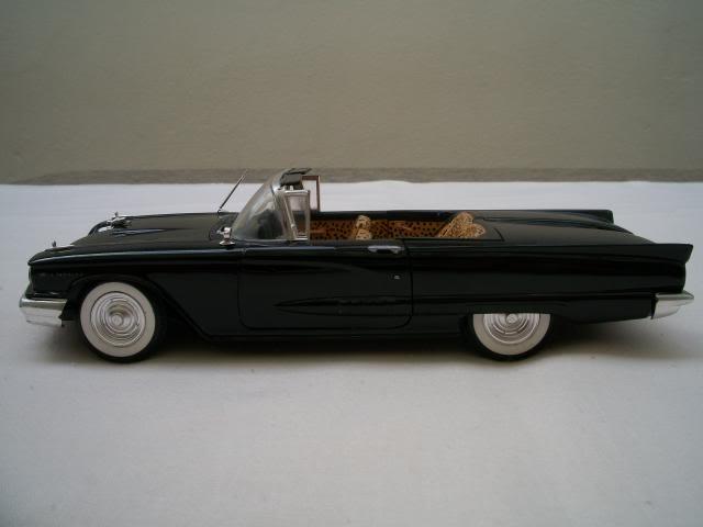 """1958 Ford Thunderbird conversivel """"Elvira A Rainha das Trevas"""" 100_3741"""