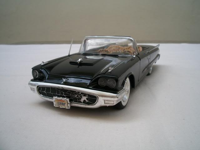"""1958 Ford Thunderbird conversivel """"Elvira A Rainha das Trevas"""" 100_3742"""
