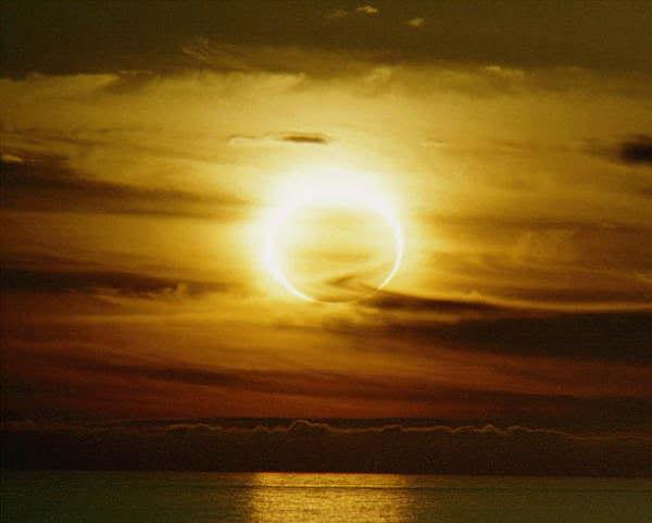 LA LUNA Eclipse