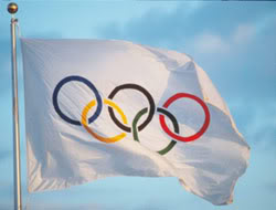 OLIMPIADAS 050908_bandera_olimpica_afp