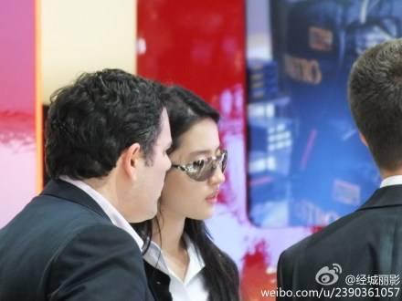 25/04/2012 Beijing International Automotive Exhibition 18e7a03e1jw1dsep0gohr7j1