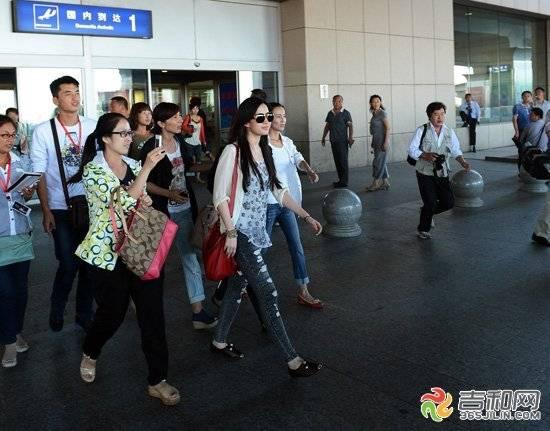 24/08/2012 สนามบินนานาชาติฉางชุนหลงเจีย 6-120R4211K3J0