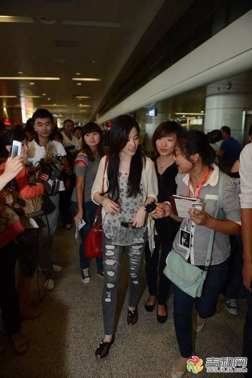 24/08/2012 สนามบินนานาชาติฉางชุนหลงเจีย 6-120R4211TTU