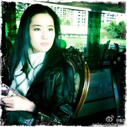 รวมภาพถ่ายจาก Blog และ Sina weibo Hang Yue  4a6856e2jw1dm6u4hda7hj