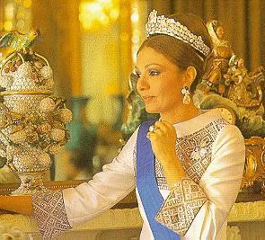Joyas de la Casa Imperial de Irán Tttmpress_farah_