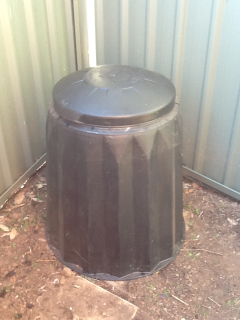 Show us your kitchen compost container - Page 4 B13d82f3844214177b7d791d6e12a3f1